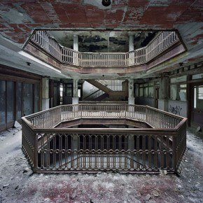 "Yves Marchand & Romain Meffre: ""The Ruins of Detroit"""