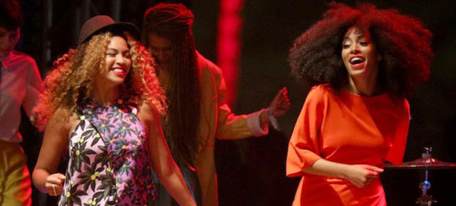 Beyonce Crashes Solange's Stage & More | Coachella 2014